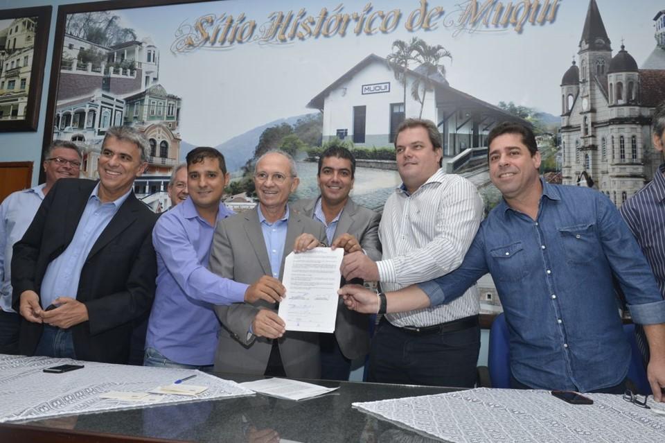 9165db6ba Assinatura do convênio com Secretaria de Estado de Esportes e Lazer ...