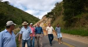 A rodovia ES177 será totalmente interditada, na Serra da Aliança, devido a risco de deslizamentos em face da formação geológica da região. DER-ES.